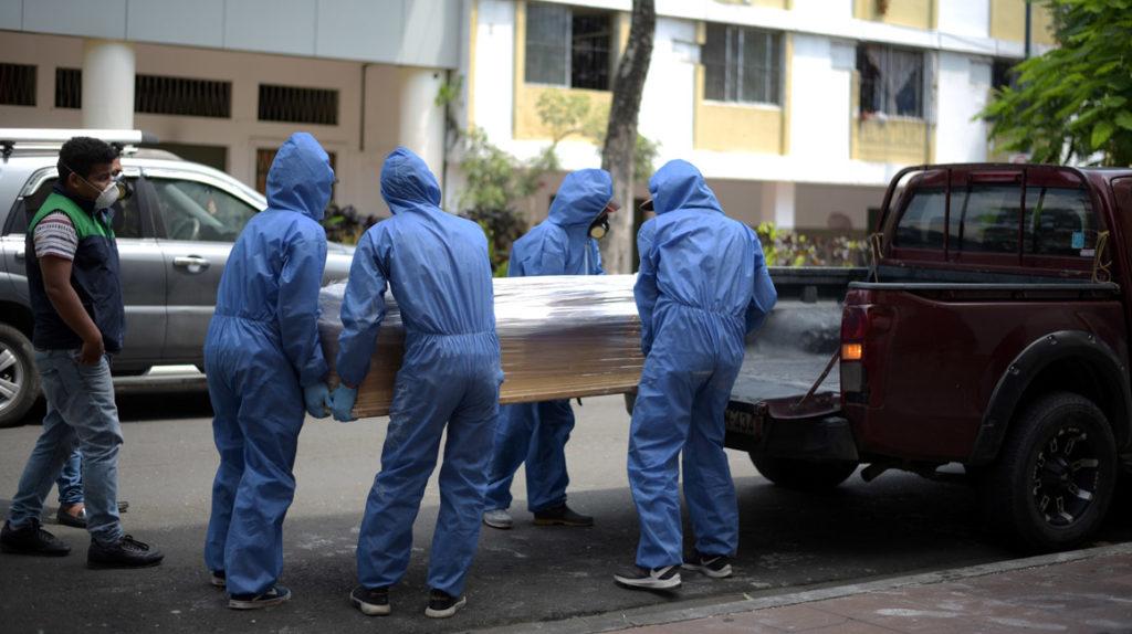 En abril se triplicó número de muertes que Ecuador registra normalmente