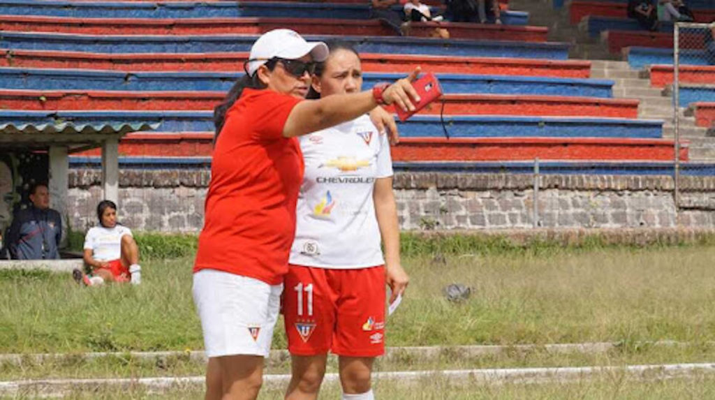 "Jenny Herrera, DT de Liga de Quito: ""no queremos ser una carga para la FEF"""