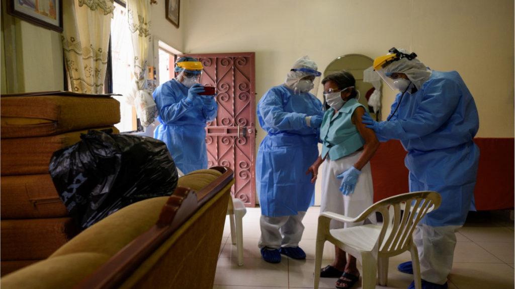 Médicos estudian rasgos clínicos de pacientes de Covid-19 en Ecuador