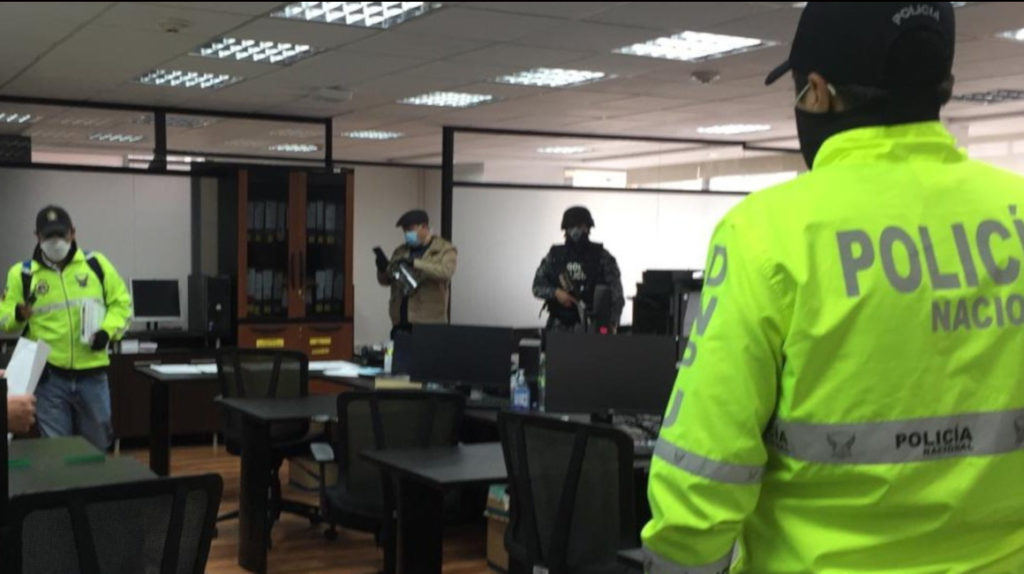 Fiscalía investiga una presunta red de corrupción que suplantaba a funcionarios de Finanzas