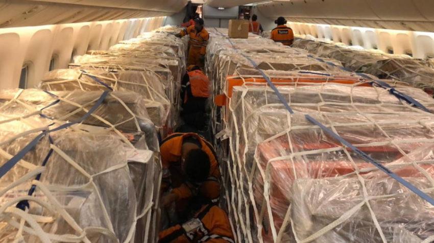 El 29 de abril de 2020 la empresa Latam transportó flores, desde Quito, en la cabina de pasajeros de uno de sus aviones.