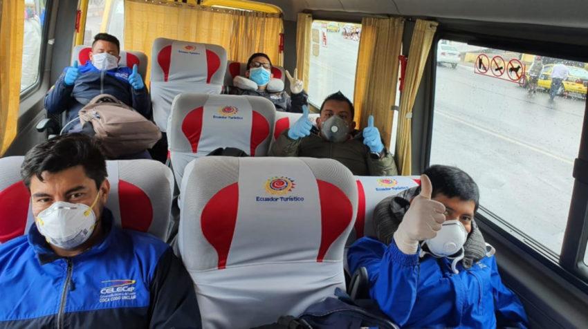 Personal de Celec fue trasladado a sus lugares de trabajo a través de buses de la Federación Nacional de Transporte Escolar e Institucional del Ecuador el pasado 29 de abril.