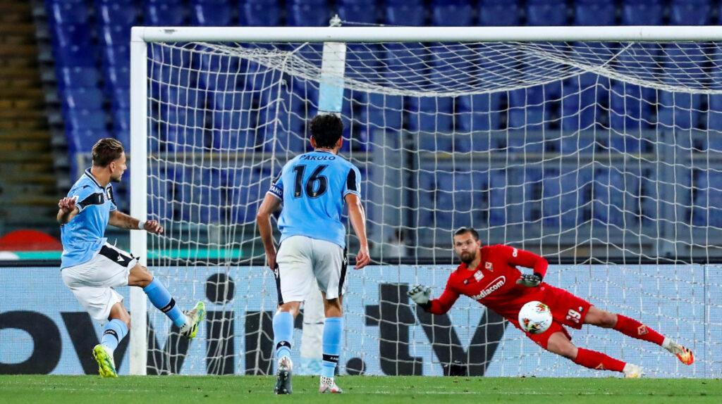 Felipe Caicedo jugó 67 minutos y provocó un penal en el triunfo de Lazio