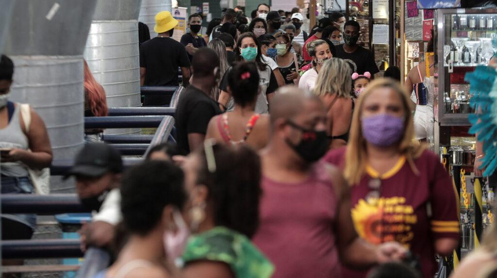 Brasil llega a acuerdo para tener 100 millones de vacunas contra Covid-19