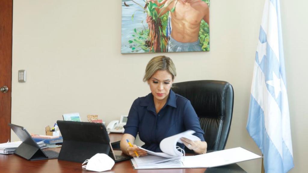 Susana González asume despacho de la Prefectura del Guayas