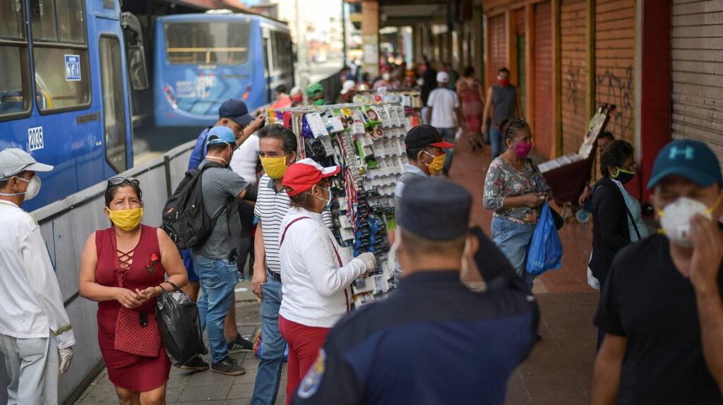 Guayaquil, al borde de una segunda ola de contagios por aglomeraciones y fiestas