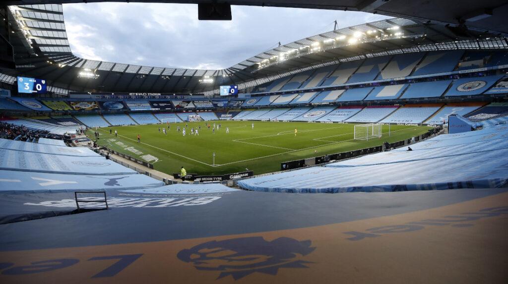 Man City-Liverpool se jugará en el estadio Etihad y no en uno neutral