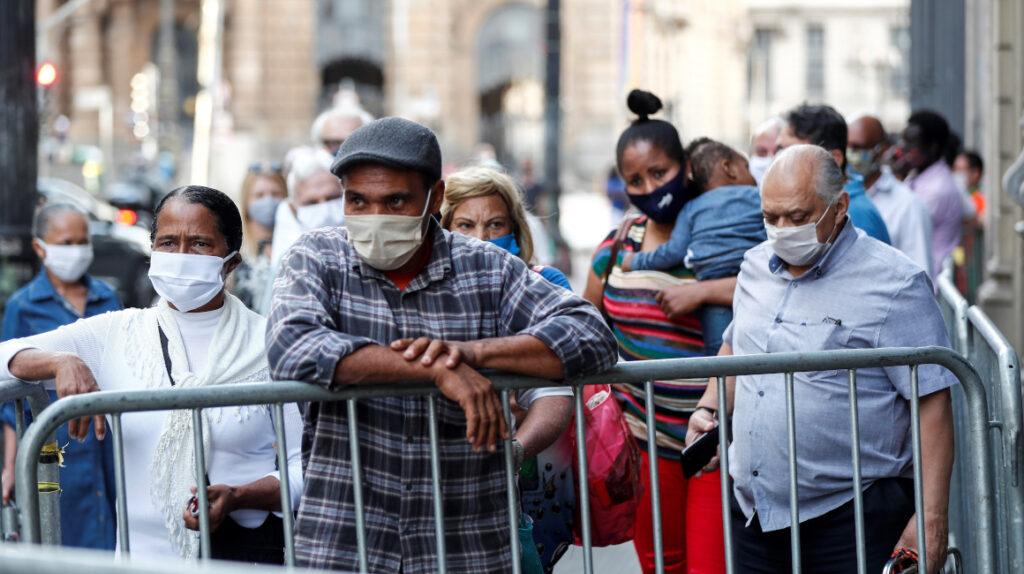 Los casos globales de coronavirus superan los 16 millones