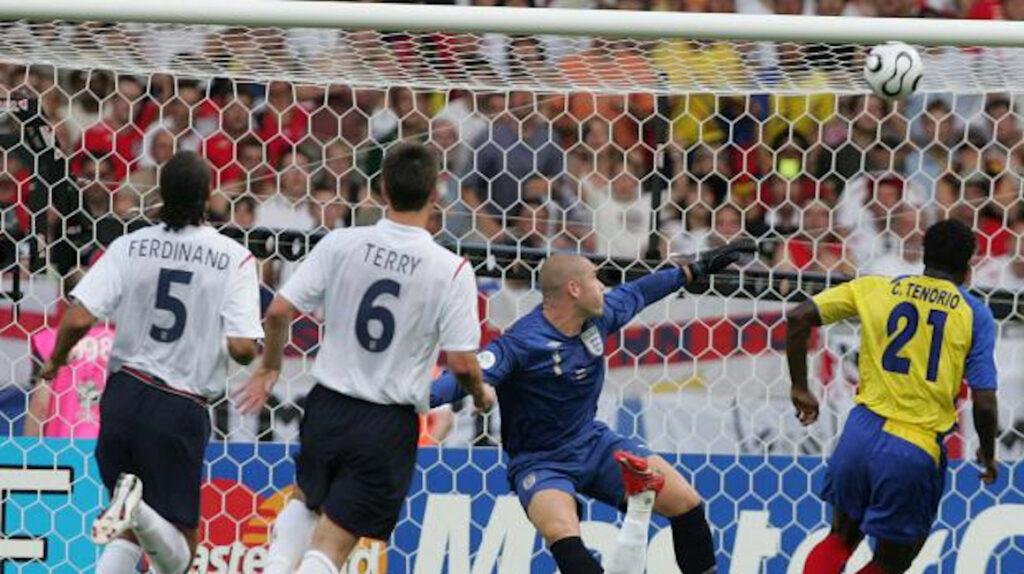 A Carlos Tenorio aún le duele el gol de Beckham a Cristhian Mora hace 14 años