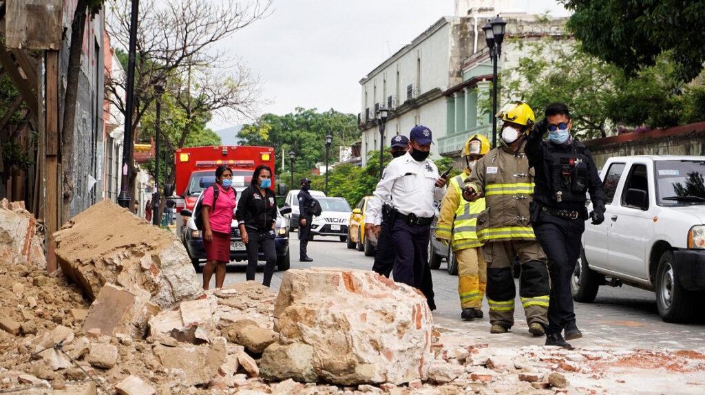 Sismo en México dejó seis fallecidos y 500 casas dañadas