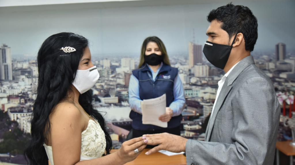 Matrimonios civiles vuelven en cantones con semáforo verde o amarillo