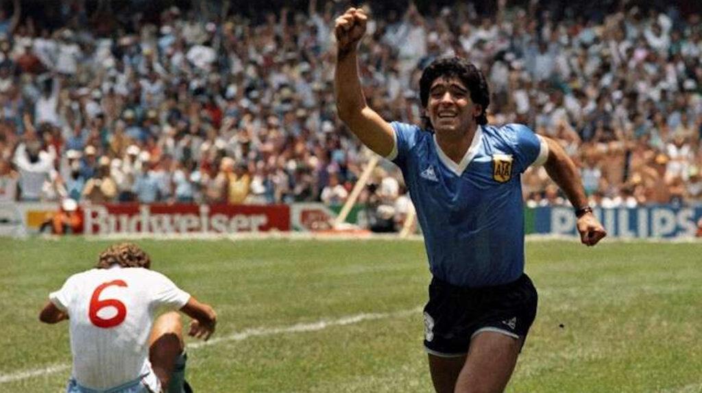 Maradona recuerda los goles que le hizo a Inglaterra hace 34 años