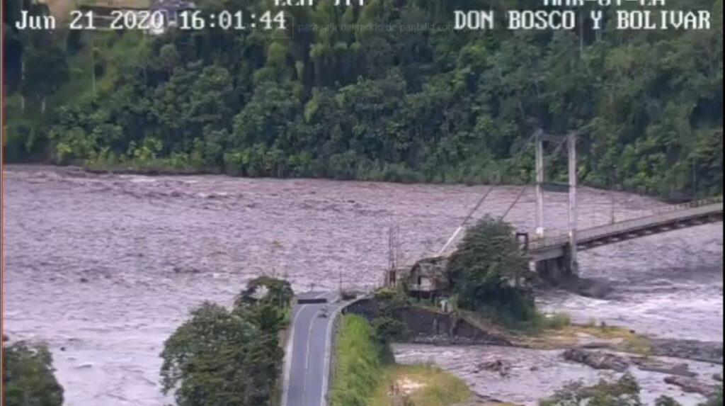Crecida del río Upano destruye la vía Macas – Puyo
