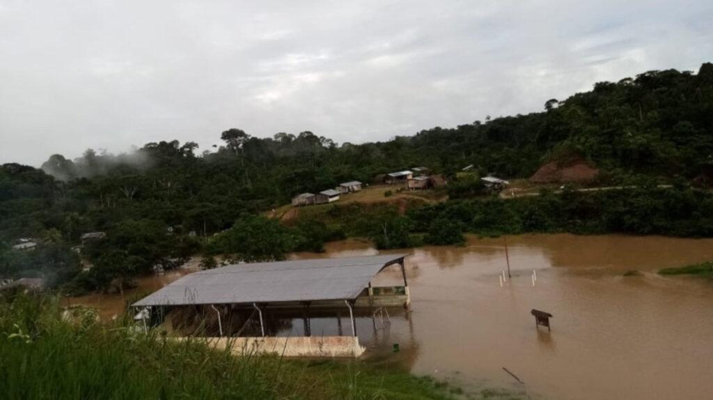 Invierno, coronavirus y dengue afectan a una comunidad waorani