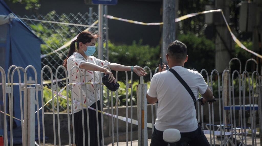 Pekín se mantiene en alerta para frenar rebrote de coronavirus