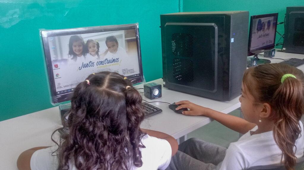 Gobierno evalúa reabrir escuelas rurales desde el 15 de julio