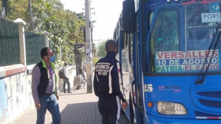 Transporte urbano en Quito operará desde las 09:00 el martes 26 de octubre