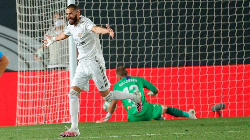 El Real Madrid venció al Valencia con un doblete de Benzema