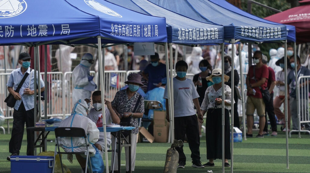 China suma 13 nuevos casos de coronavirus, 11 de ellos en Pekín