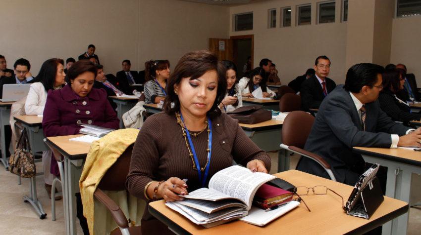 Aspirantes a notarios durante el curso de formación inicial, en 2013.