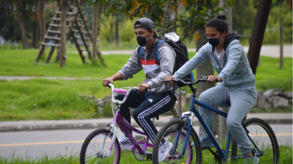La pandemia empuja el uso de bicicletas y monopatines; las ciudades aprovechan el impulso