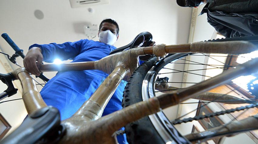 El 2 de junio de 2020, la Prefectura de Azuay retomó su proyecto de movilidad alternativa, con bicicletas de bambú.