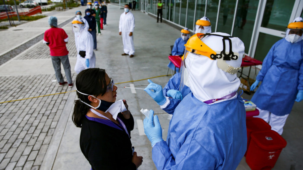 Hospital Quito Solidario recibe pocos pacientes por falta de médicos