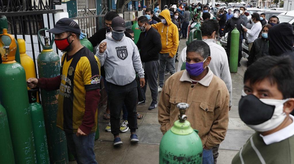 Los casos de Covid-19 en Perú llegan a 240.000 y superan a los de Italia