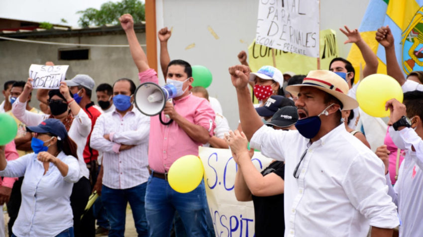 Protestas donde debía construirse el hospital de Pedernales, donde hicieron un recorrido las autoridades el 9 de junio.