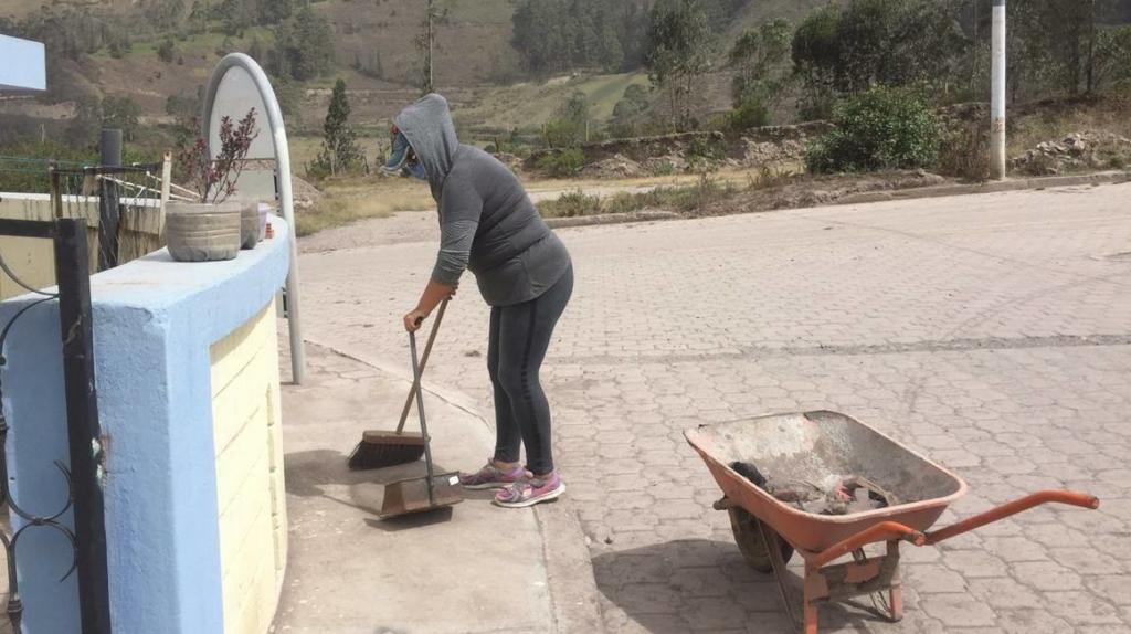 Tres cantones de Chimborazo registran caída de ceniza del Sangay