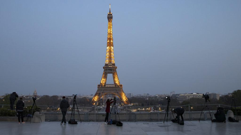 Jóvenes ecuatorianos tendrán un visado especial en Francia tras firma de acuerdo