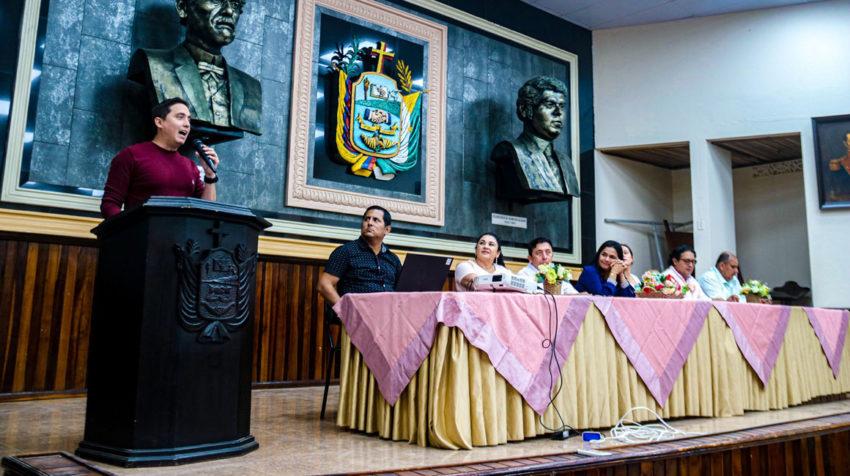 El asambleísta Daniel Mendoza durante un evento por el Día de la Mujer, el 8 de marzo de 2020.
