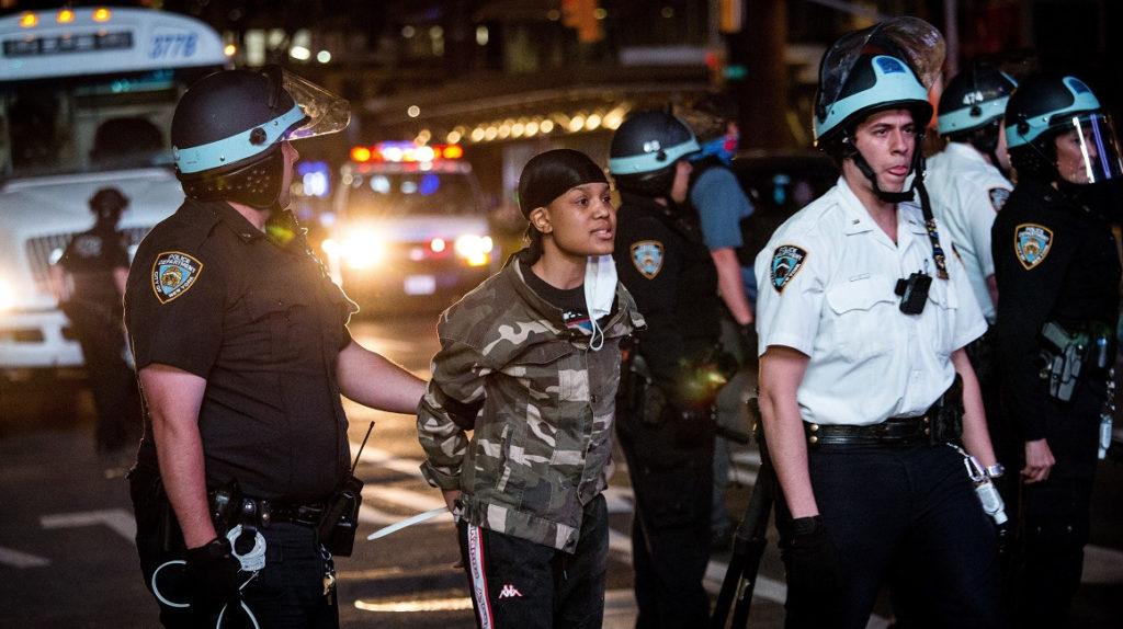 Anonymous amenaza con exponer presunta corrupción policial en Estados Unidos