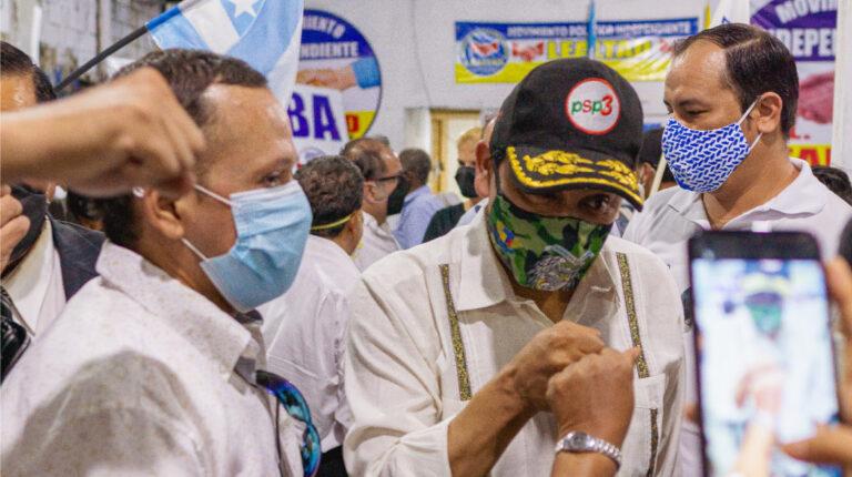 El expresidente Lucio Gutiérrez sumando el respaldo del movimiento Lealtad de Guayas, el 11 de julio de 2020.