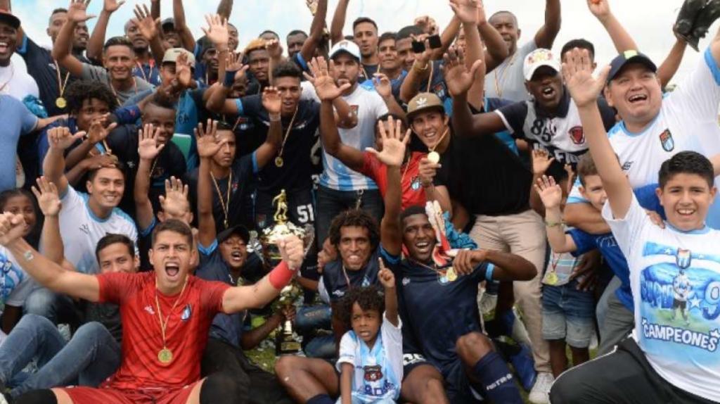 El equipo de fútbol de 'Dalo' Bucaram y los proveedores del IESS