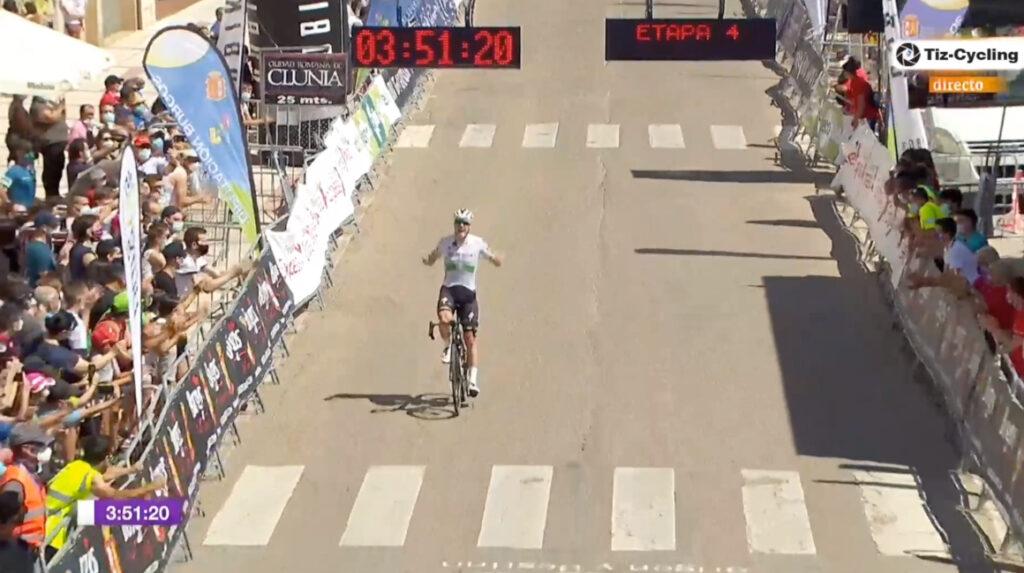 Sam Bennett gana la cuarta etapa y Evenepoel sigue como líder de la general