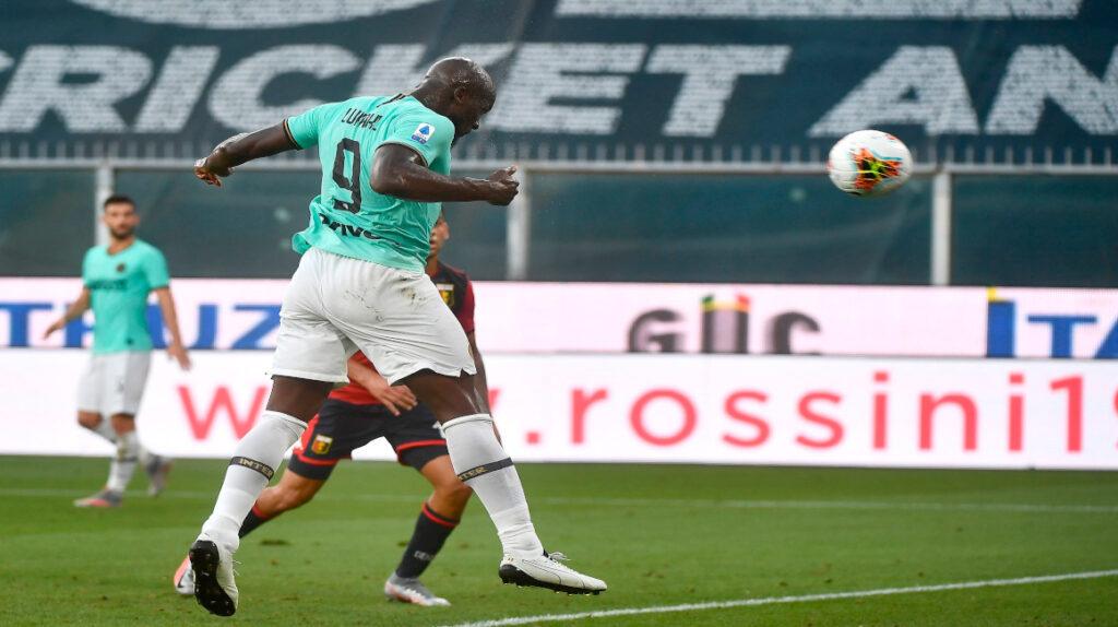 Inter vence al Genoa y sube al segundo puesto del torneo italiano