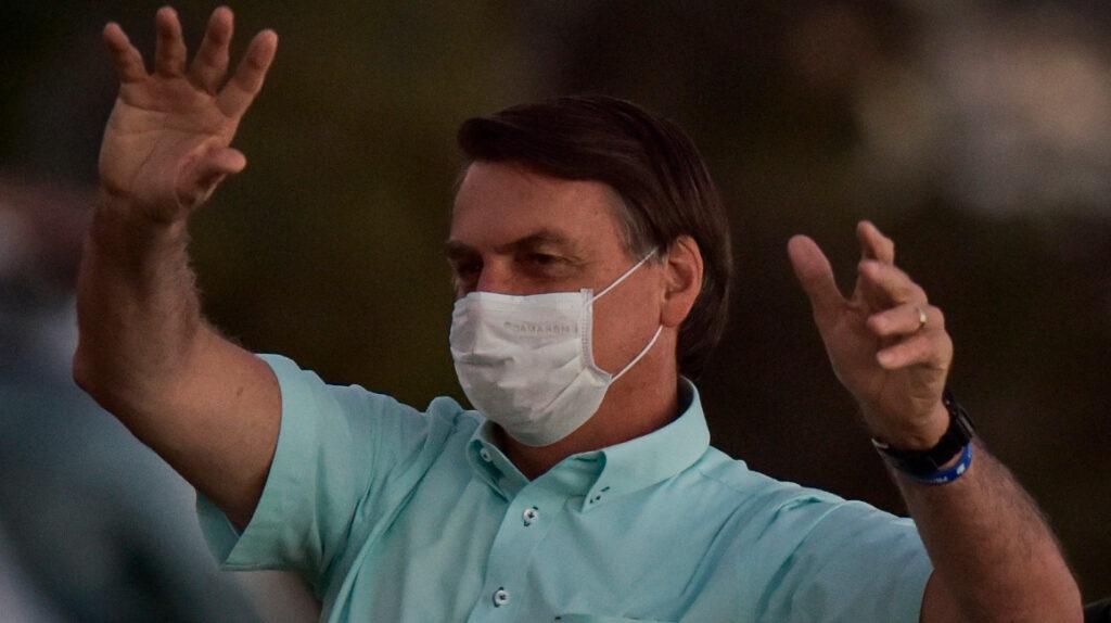Bolsonaro es hospitalizado por ataque de hipo y dolores abdominales