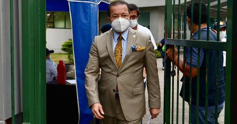 El abogado de Salcedo, Luigi Garcia, tras visitar a su cliente el pasado 14 de julio.