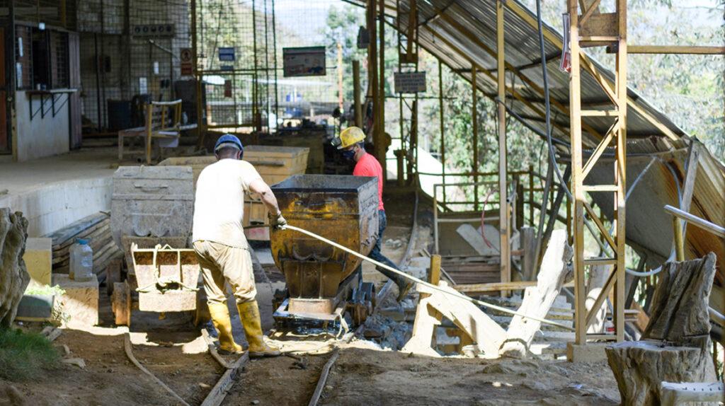 La actividad minera se reanuda gradualmente en 20 provincias