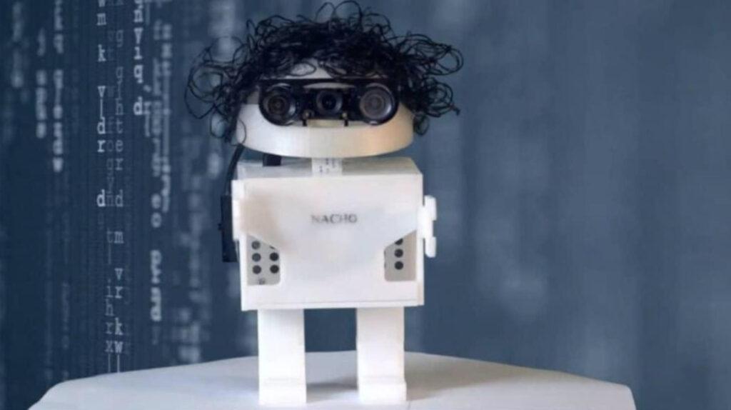 El robot que enseña a leer y tuvo su inspiración en 'Nacho lee'