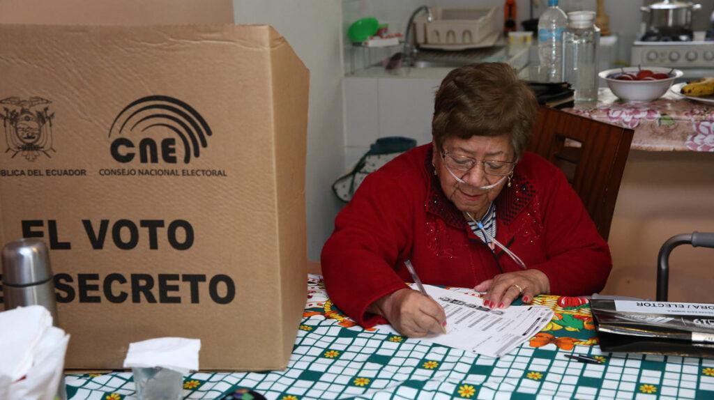El CNE debe adaptar el presupuesto electoral a la pandemia
