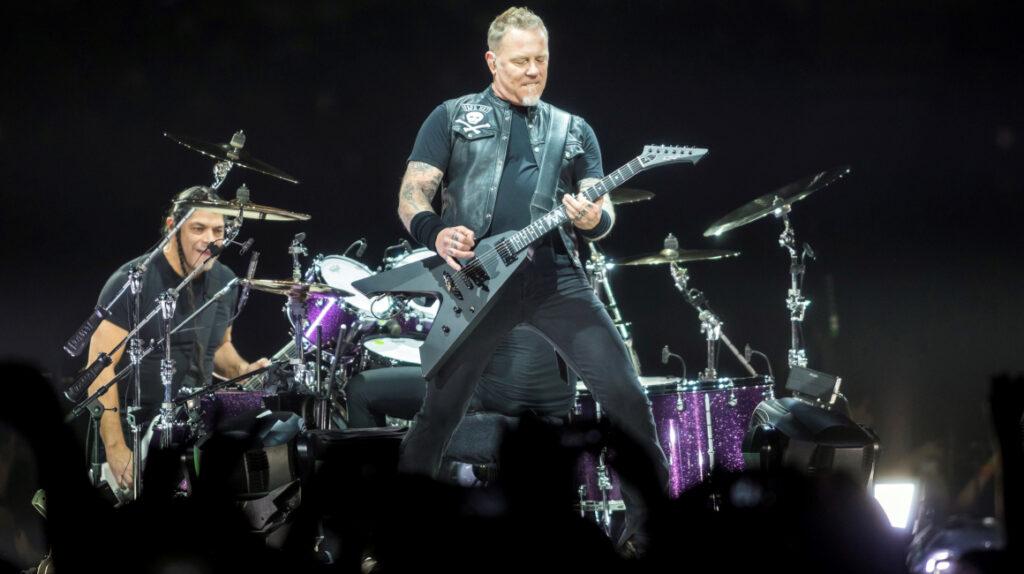 Imperdible: Metallica a ritmo de fox incaico, con Paco Godoy