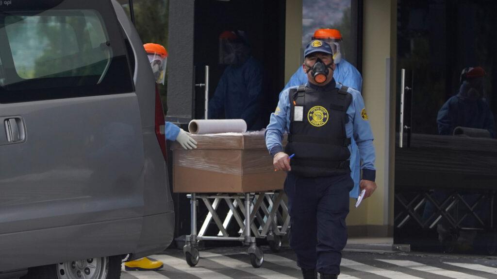 4.967 personas han fallecido en hospitales del IESS en el contexto de la pandemia