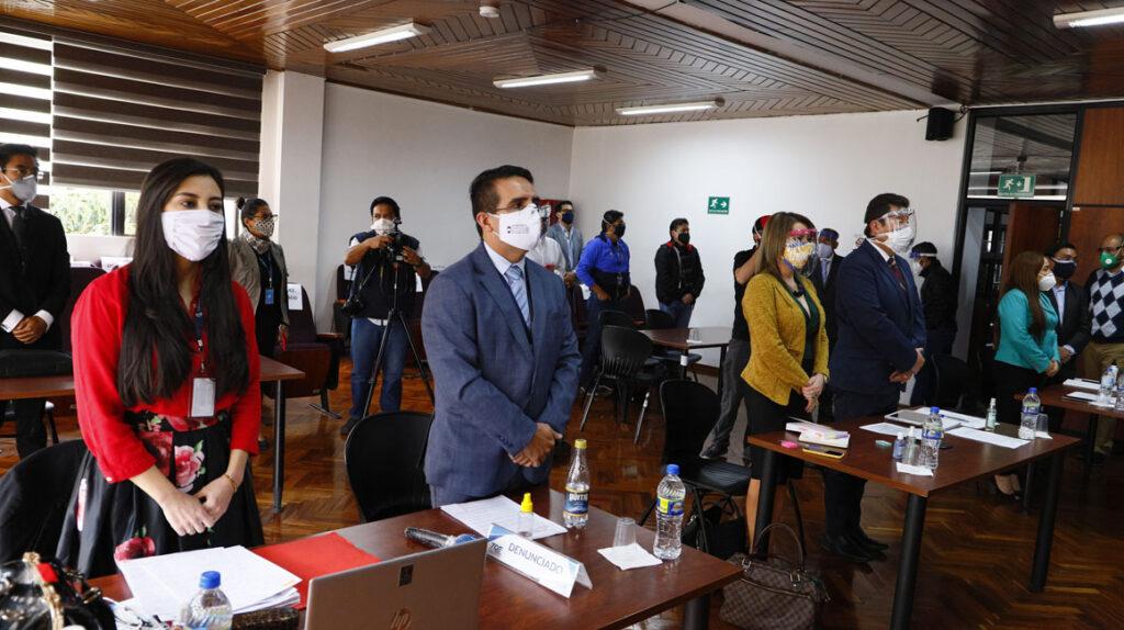 La Corte Constitucional entra en la pugna entre el CNE y la Contraloría