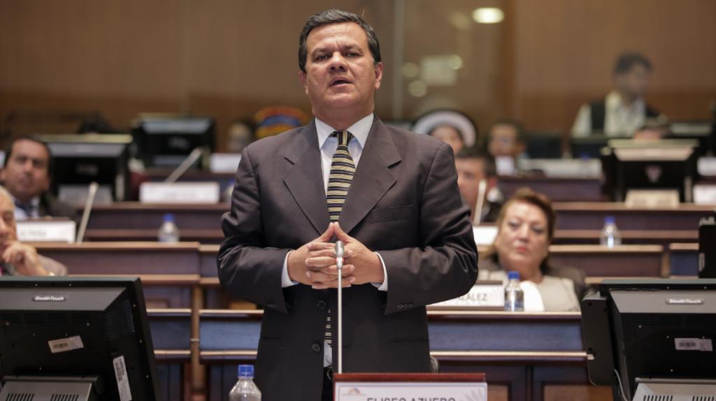 Una comisión analizará la destitución de Eliseo Azuero