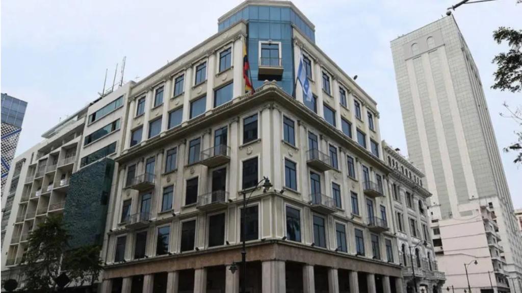 Tribunal llama a juicio a cinco implicados en caso Prefectura del Guayas