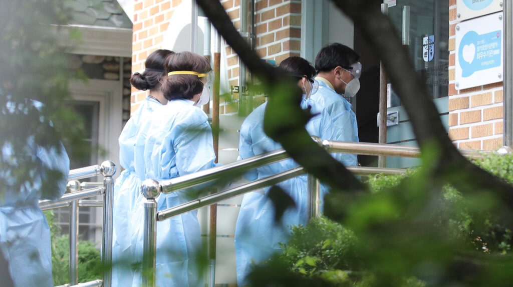 Corea del Sur registra sus primeros contagios de Covid-19 en un colegio