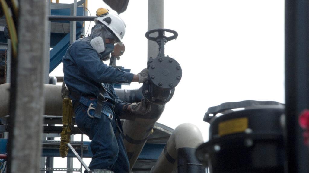 Luego de una década Ecuador tendrá una sola empresa petrolera