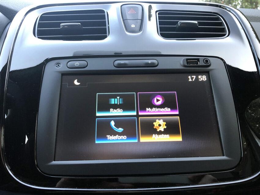 Pantalla multimedia con Apple CarPlay y Android Auto.